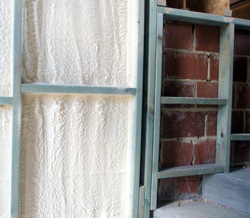 Spray Form Insulation VS Earthwool Insulation Batts